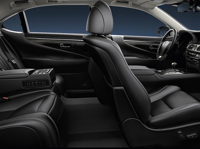 Interieur van een Lexus LS 600h