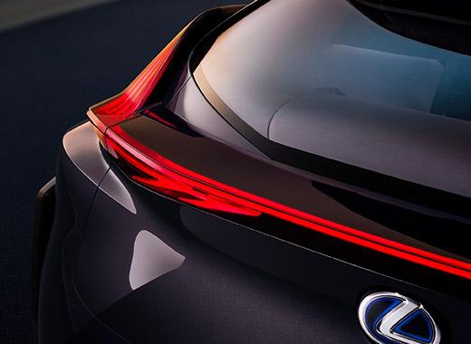 Details van de achterkant van een Lexus UX Concept