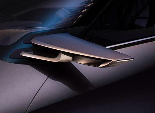 Zijspiegel van een Lexus UX Concept