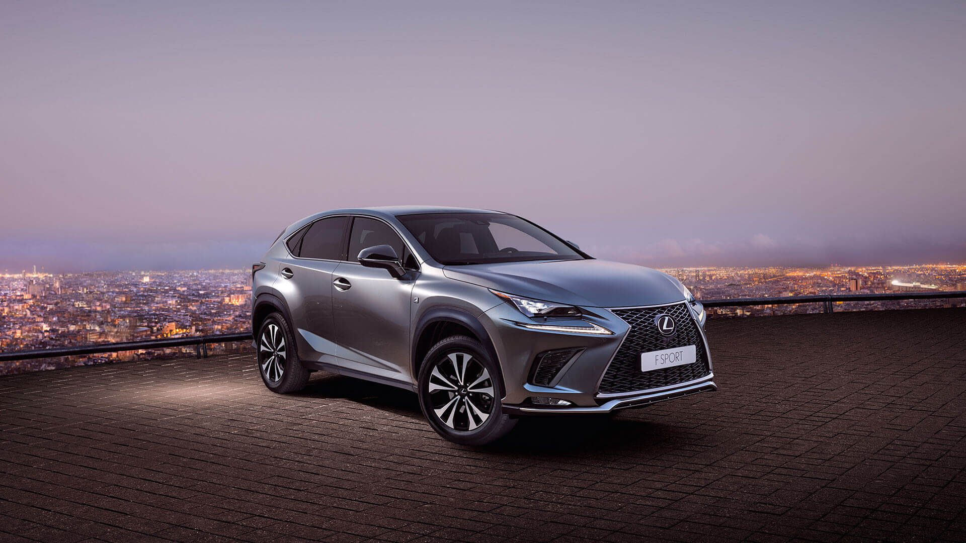 ontdek de hybride lexus nx 300h crossover. Black Bedroom Furniture Sets. Home Design Ideas