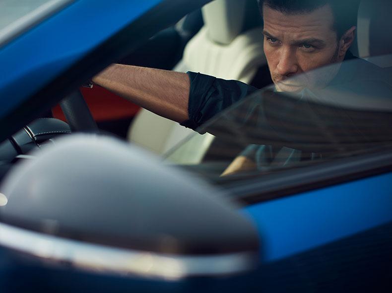 2017 Lexus LC 500h Driving Gallery 003