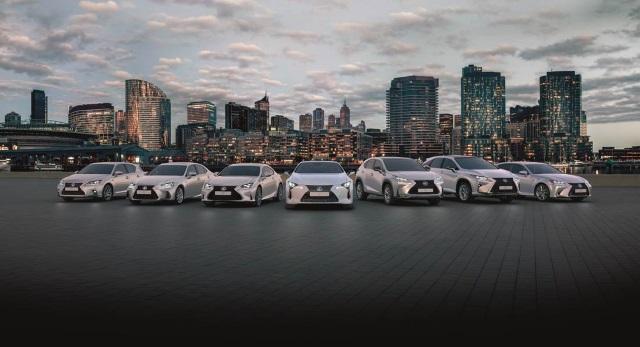 2017 Gama Ibrida lexus