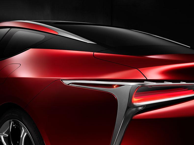 Taklinje röd Lexus LC 500