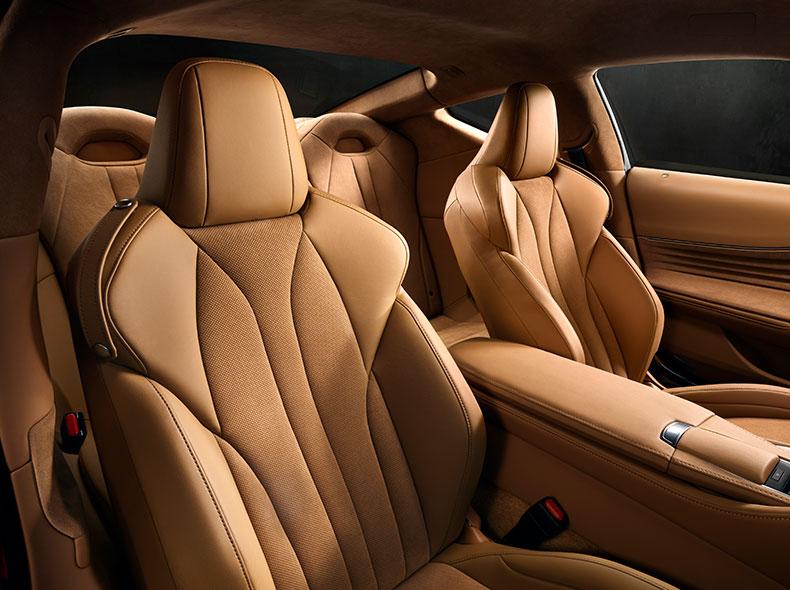Skinnklädda säten Lexus LC 500