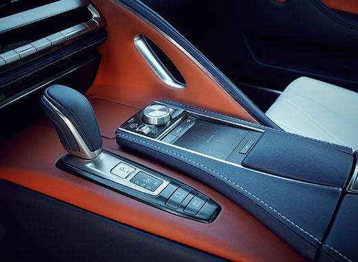 Mittkonsol och växelväljare Lexus LC 500h