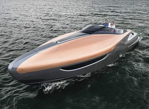 Lexus Sport Yacht snett ovanifrån