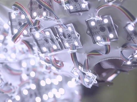 Lexus Strobe Ljusdräkter och lysande rörelser