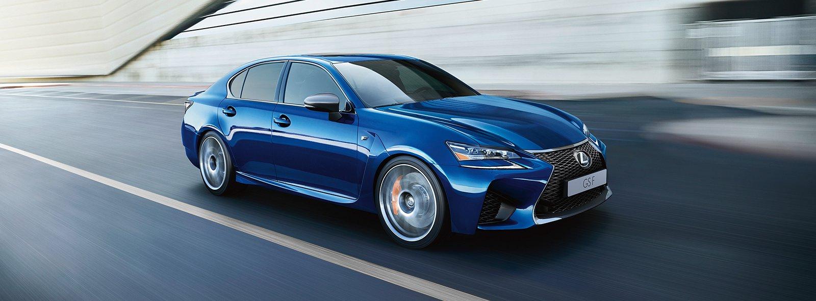 Lexus GS F i rörelse