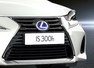 Lexus IS 300h Sport svart spindelgrill