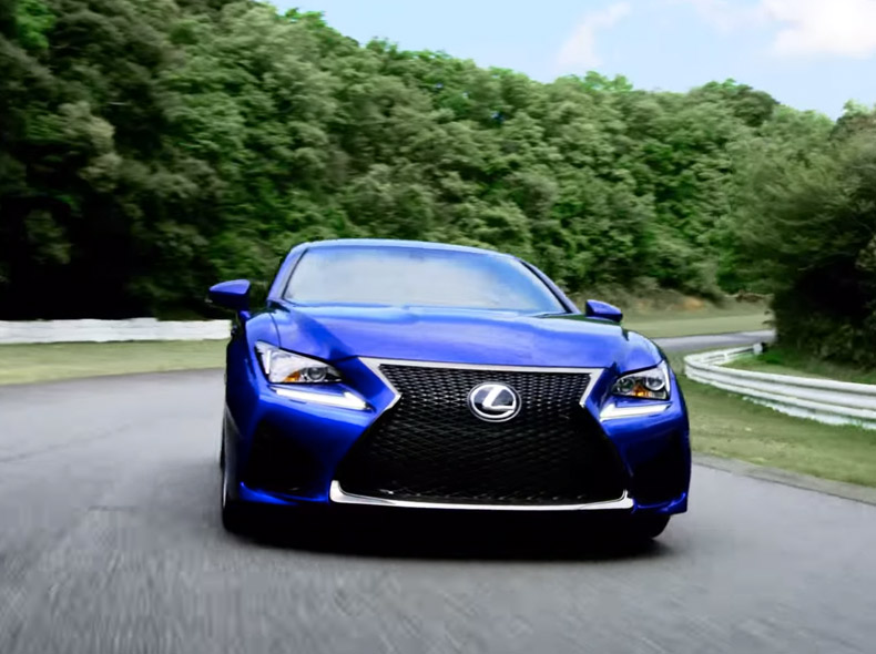 Videobild Lexus RC F bankörning