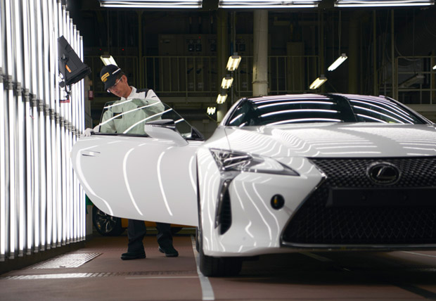 Lexus LC Uretim 03