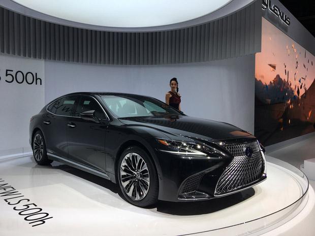 Lexus LS 500h 03