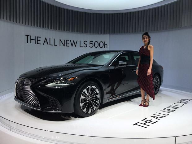 Lexus LS500h 02