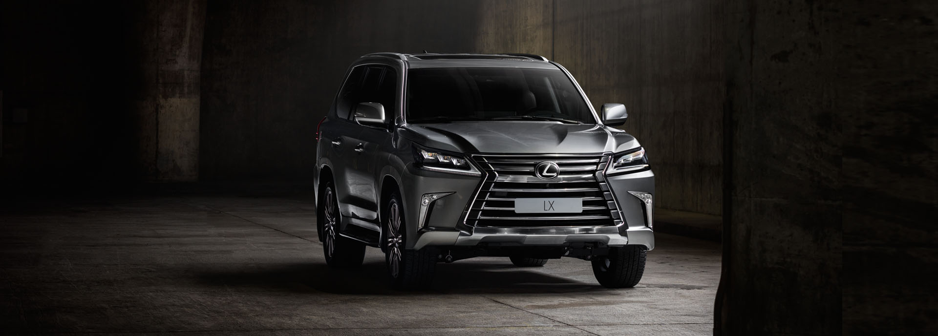 вигідні серпневі пропозиції на флагманський позашляховик Lexus LX