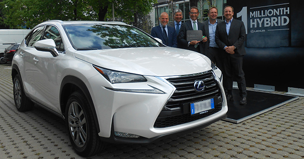 LEXUS PUTS 1 MILLIONTH HYBRID ON THE ROAD news