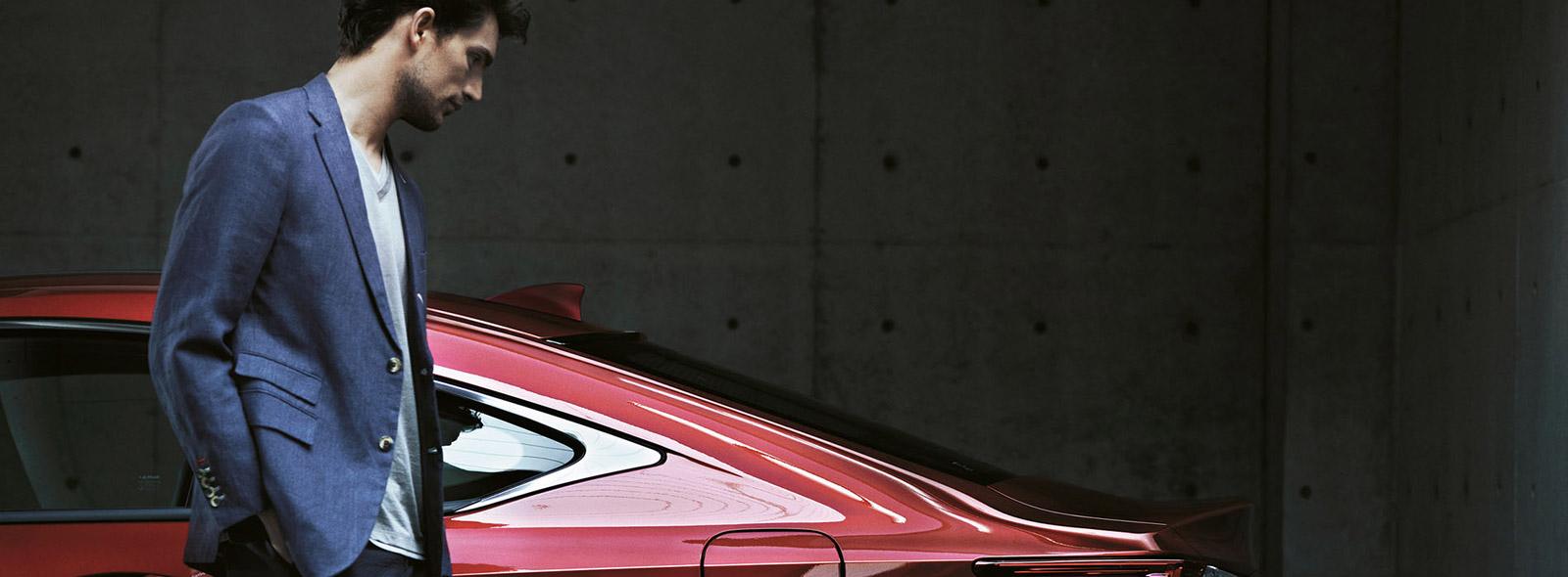 Стильний Lexus RC 200t