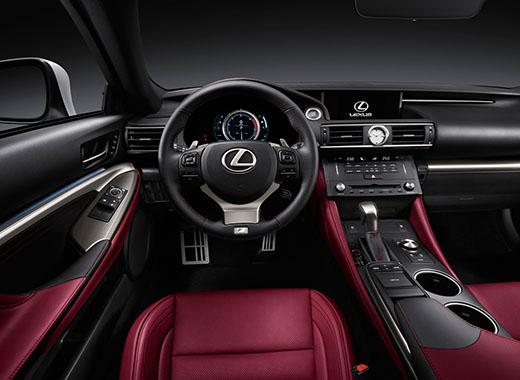 В салоні Lexus RC 200t